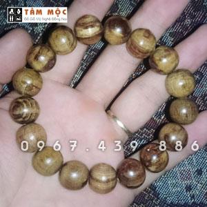 Chuỗi hạt đeo tay gỗ Trắc nu sụn
