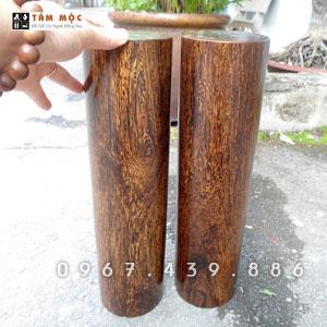 Cặp trụ gỗ cẩm sừng