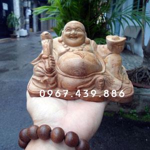 Tượng Phật Di Lặc để xe hơi gỗ ngọc am