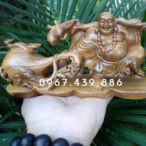 Tượng Phật Di Lặc để xe ô tô gỗ bách xanh