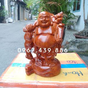Tượng Phật Di Lặc vác cành đào gỗ hương