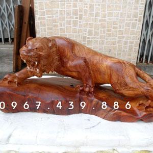 Tượng cọp bằng gỗ hương