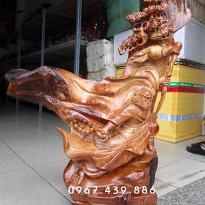 Tượng Bồ Đề Đạt Ma thế võ gỗ hương