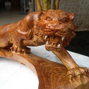 Tượng gỗ con hổ gỗ hương
