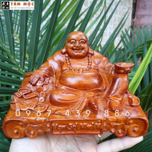 Phật Di Lặc để xe hơi gỗ hương