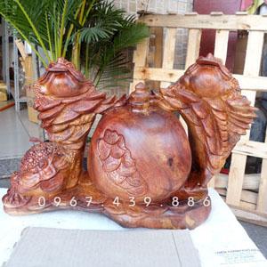 Thiềm thừ trấn chum tiền bằng gỗ hương