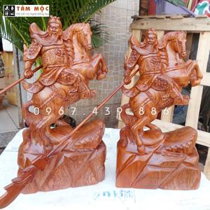 Tượng Quan Công (Quan Vân Trường) cưỡi ngựa gỗ hương