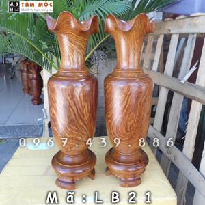 Lục bình bằng gỗ hương Việt