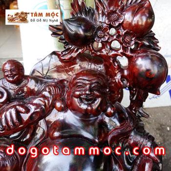 Tượng Phật Di Lặc bằng gỗ trắc đỏ đen