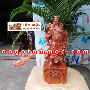 Tượng gỗ Quan Thánh vuốt râu bằng gỗ hương cao 60cm