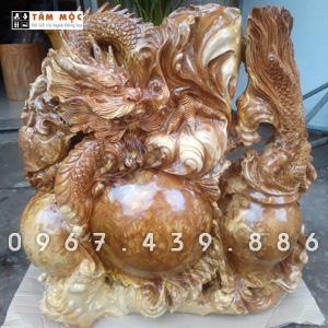 Tượng gỗ rồng ôm ngọc bằng gỗ nu nghiến