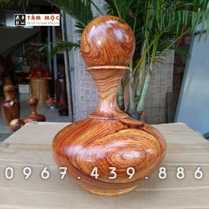 Lọ hoa bằng gỗ cẩm lai Việt