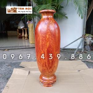 Bình gỗ cẩm lai Việt
