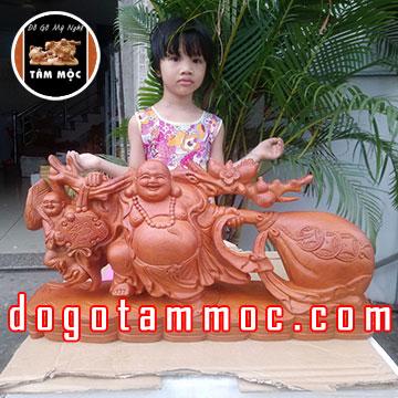 Tượng gỗ Phật Di Lặc kéo bao tiền bằng gỗ hương