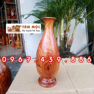 Bình hoa bằng gỗ cẩm