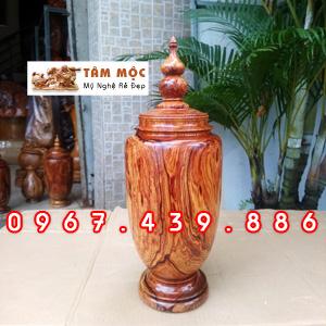 Bình trang trí bằng gỗ cẩm Việt