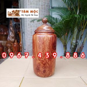 Chum trang trí bằng gỗ cẩm