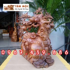 Phật Di Lặc ngồi gốc đào gỗ xá xị (gù hương)