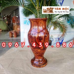 Bình cắm hoa bằng gỗ cẩm siêu vân