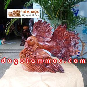 Tượng cá xiêm (cá chọi) gỗ hương Việt