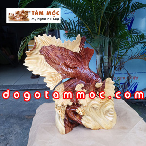Tượng cá xiêm bằng gỗ cẩm lai