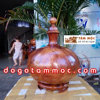 Bình hút tài lộc gỗ hương Việt