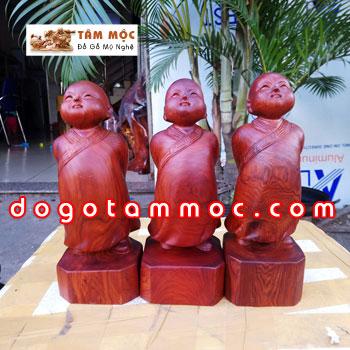 Tượng chú tiểu Vạn Sự Tùy Duyên gỗ hương Việt