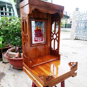Bàn thờ Thần Tài Thổ Địa bằng gỗ giá tỵ (gỗ Teak, gỗ Tếch))